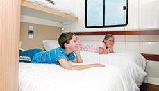 Samodzielne wakacje na pokładzie hausbota - śródlądowego jachtu motorowego