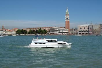 Wakacje na hausbocie we Włoszech